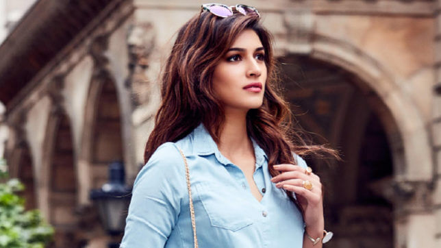 Kriti Sanon Offends Many By Posing With A Taxidermied Giraffe