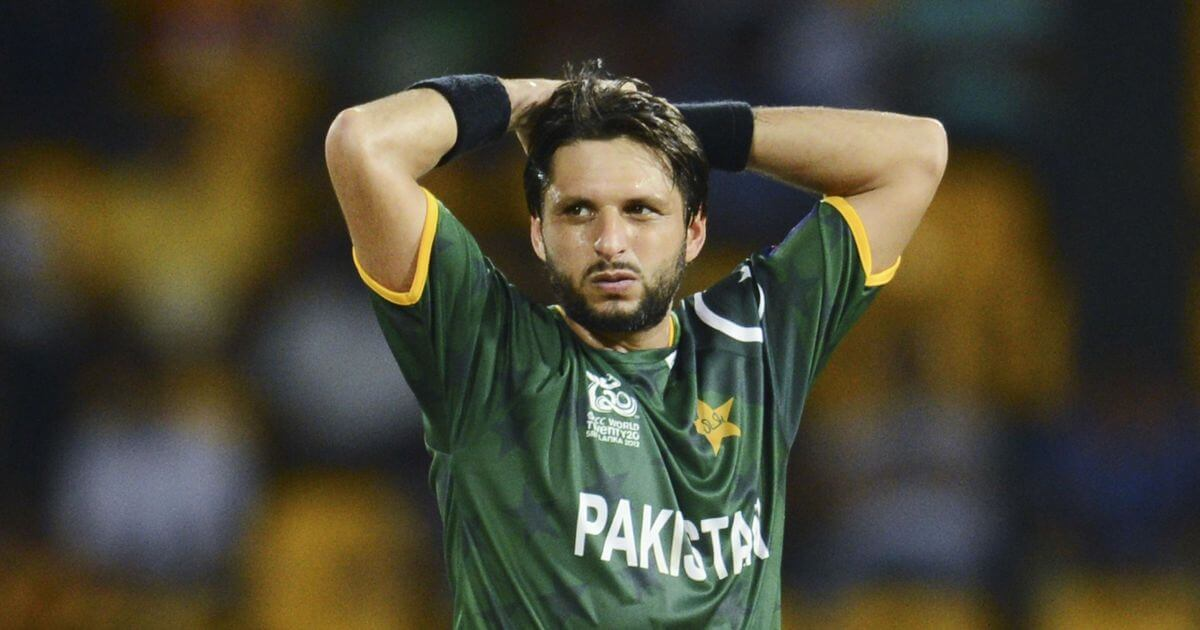 Shahid Afridi gets a major blow back from Indian cricketers over his 'Kashmir' statement