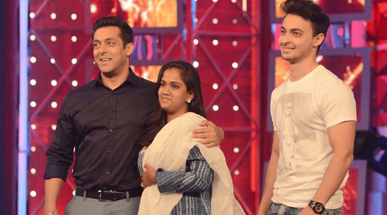 Arpita Khan wishes her husband Happy Anniversary with this love filled message